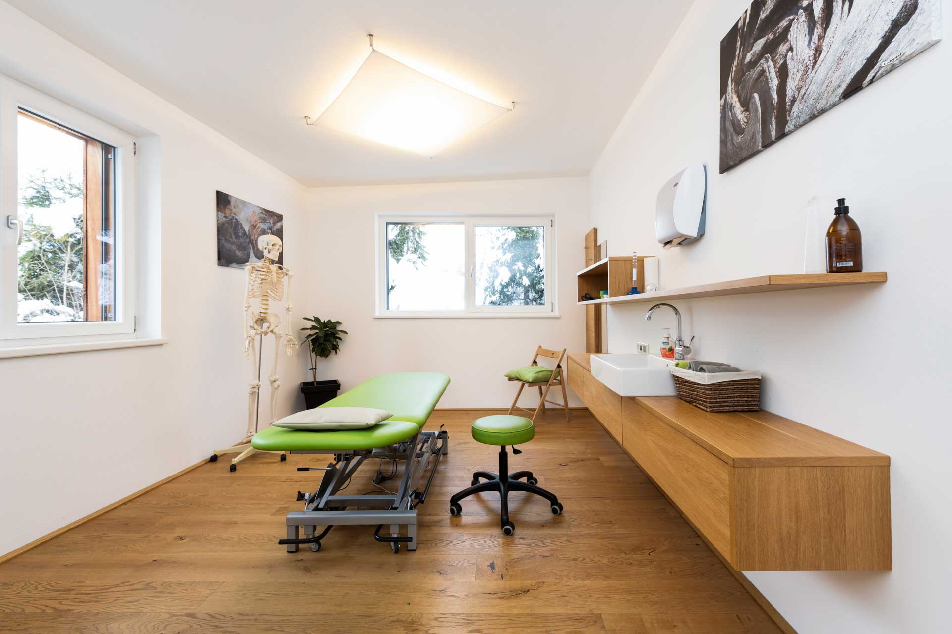Therapiezentrum Stubai - Behandlungsraum - Physiotherapie, Osteopathie, Massagen